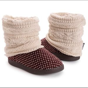 NWT Muk Luks Slipper Boot size S (5.5/6)